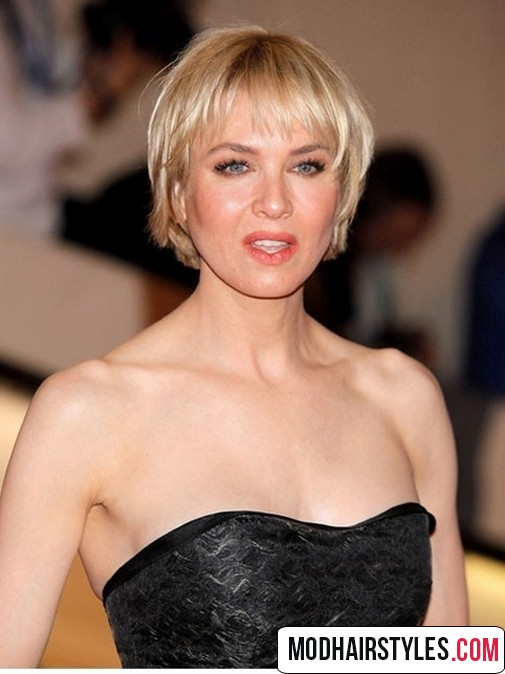 stylish Short blonde Hairstyle idea with Bangs